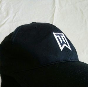 Nike tiger woods hat adjustable